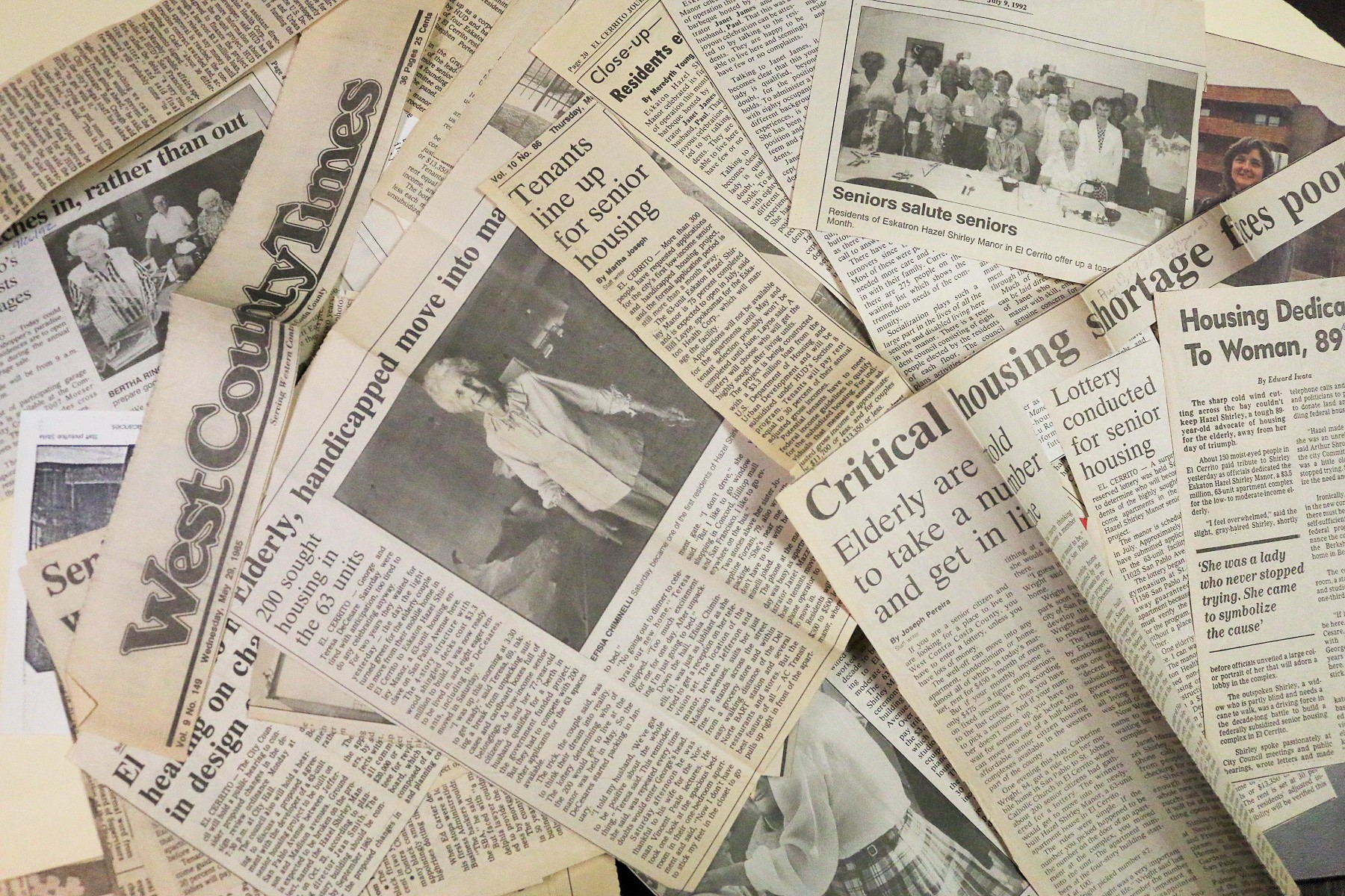 Newspaper_clippings_2.jpg